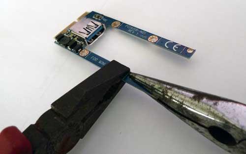 Project M MINIPCIE2USB2をMini PCIeフルサイズに加工