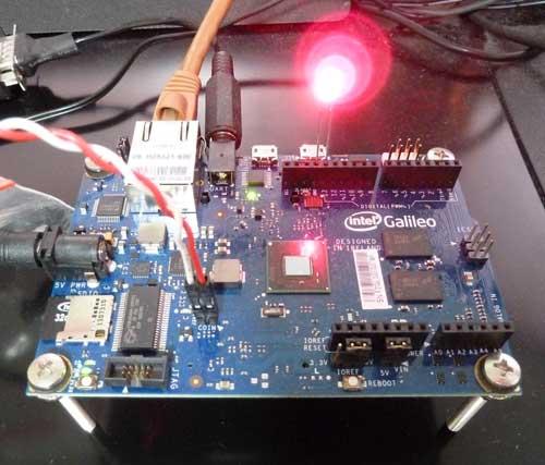 Windows IoTで動くインテル Galileo 開発ボード