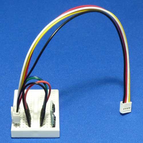 AE-ADT7410をブレッド・ボードに載せてGroveケーブルに配線したもの